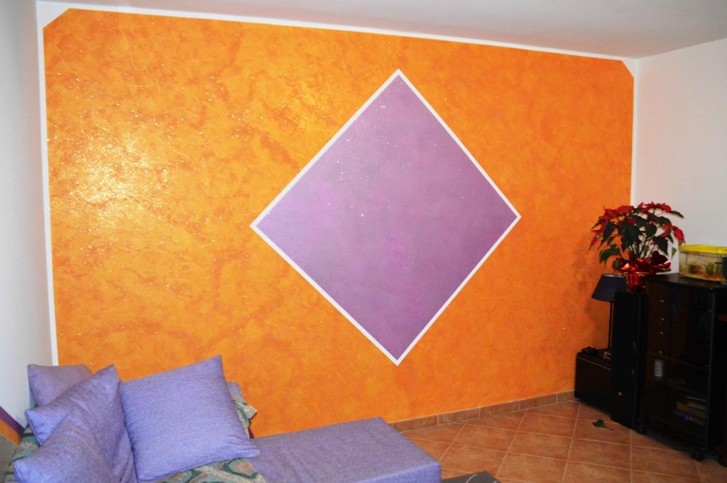 Pareti Glitterate Lilla : Parete lilla con glitter: parete tortora con glitter bianca oro